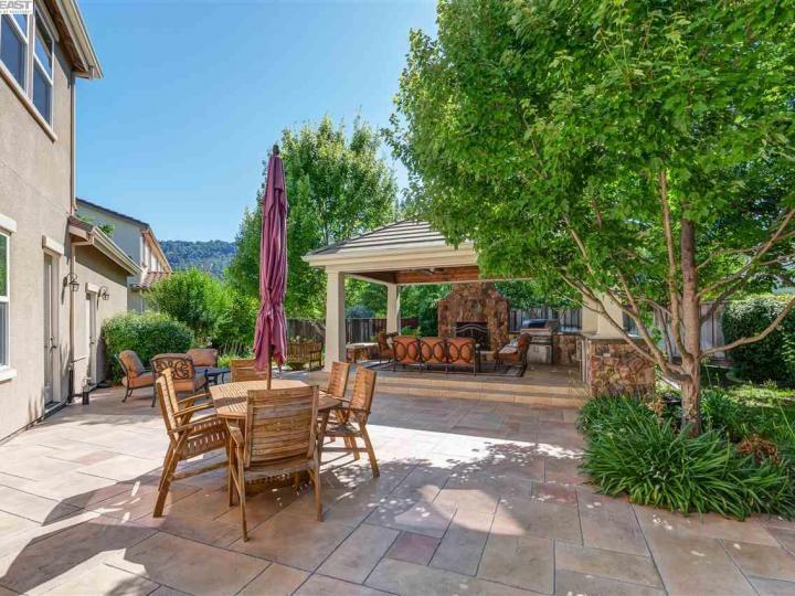 1005 Laguna Creek Ln Pleasanton CA Home. Photo 34 of 40