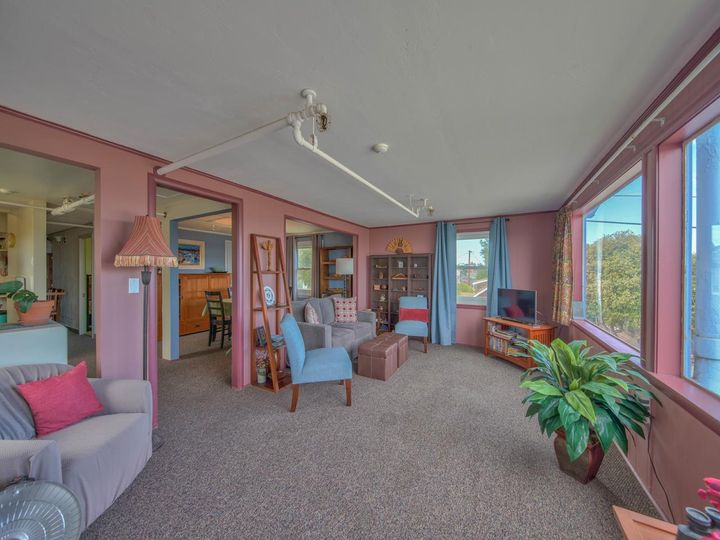 215 11th St Pacific Grove CA Home. Photo 12 of 40