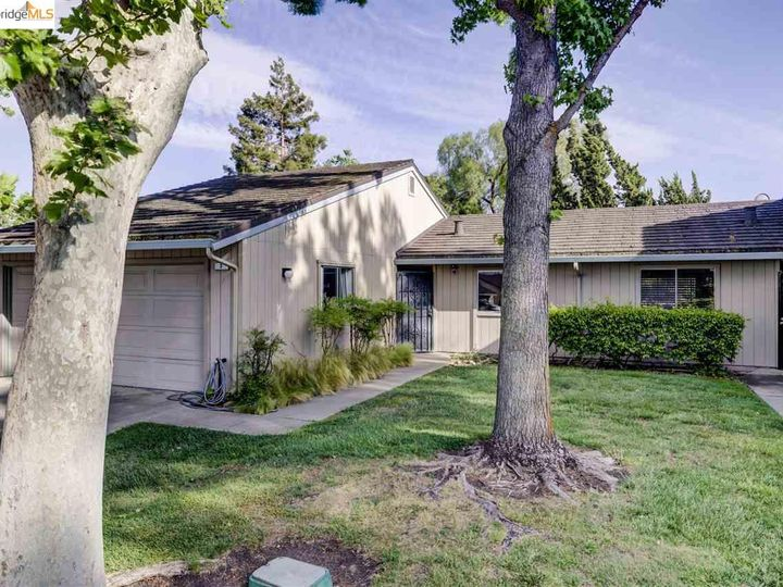 3 Selena Ct, Antioch, CA, 94509 Townhouse. Photo 3 of 25