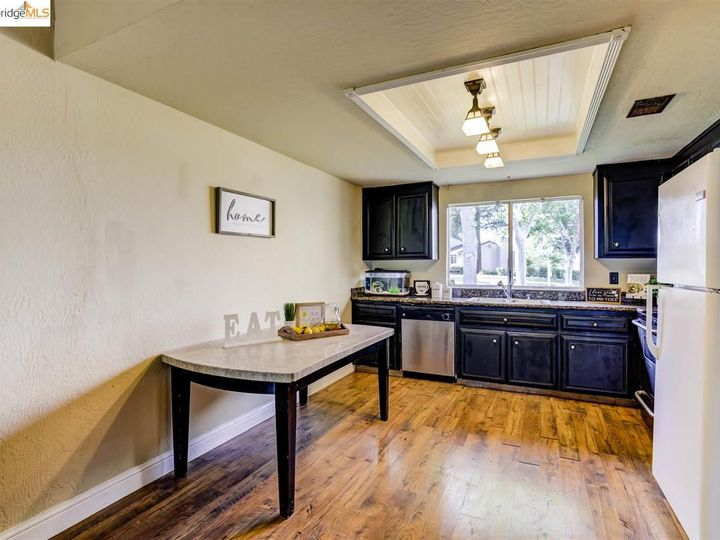 3 Selena Ct, Antioch, CA, 94509 Townhouse. Photo 9 of 25
