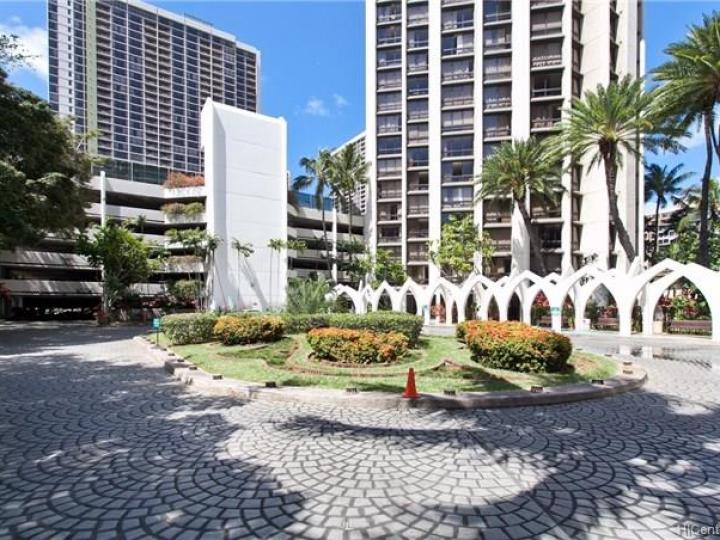 Rental 300 Wai Nani Way unit #I1904, Honolulu, HI, 96815. Photo 10 of 10