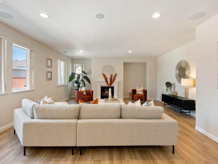 5960 Sterling Greens Cir Pleasanton CA Home. Photo 14 of 36