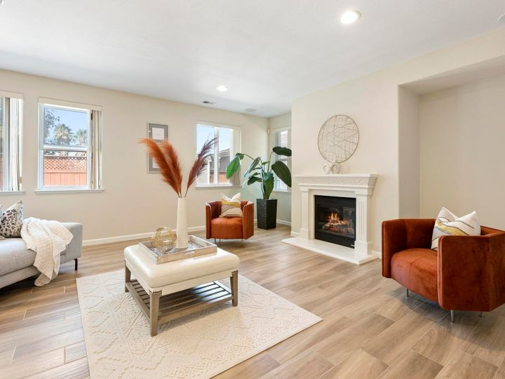 5960 Sterling Greens Cir Pleasanton CA Home. Photo 15 of 36