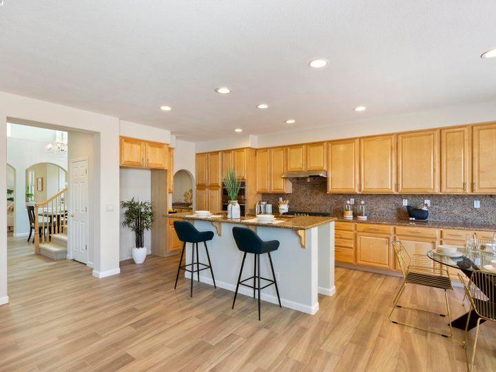 5960 Sterling Greens Cir Pleasanton CA Home. Photo 7 of 36