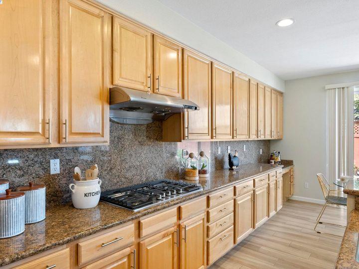 5960 Sterling Greens Cir Pleasanton CA Home. Photo 9 of 36