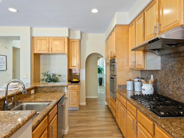 5960 Sterling Greens Cir Pleasanton CA Home. Photo 10 of 36