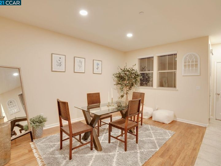 6290 Rocky Point Ct, Oakland, CA, 94605 Townhouse. Photo 11 of 30