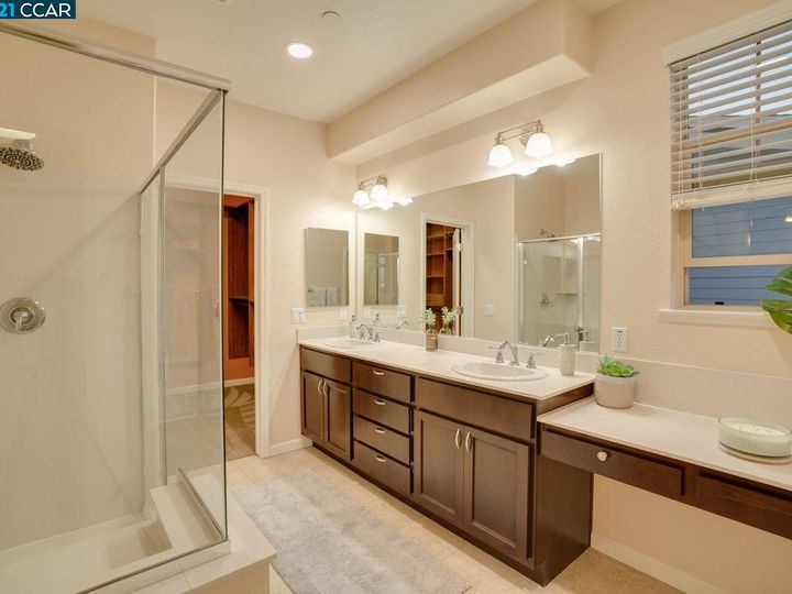 6290 Rocky Point Ct, Oakland, CA, 94605 Townhouse. Photo 17 of 30