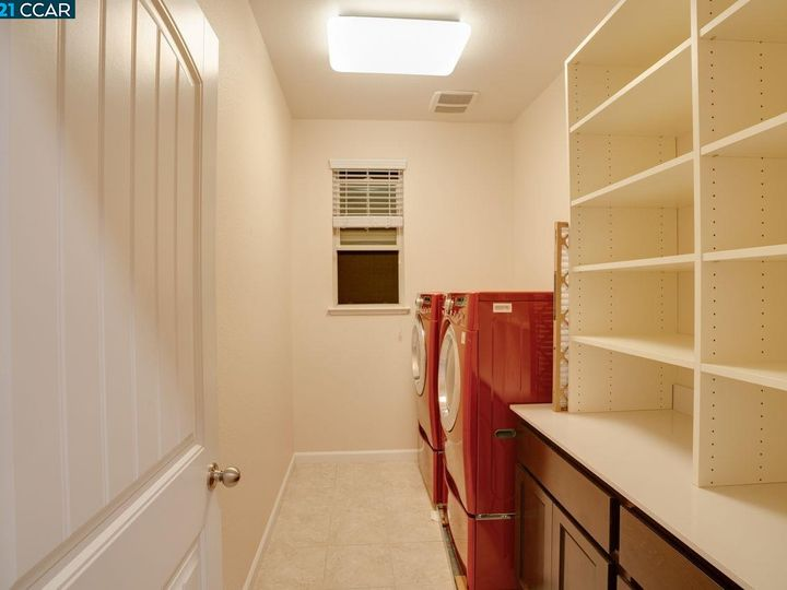 6290 Rocky Point Ct, Oakland, CA, 94605 Townhouse. Photo 24 of 30