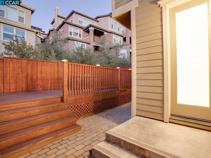 6290 Rocky Point Ct, Oakland, CA, 94605 Townhouse. Photo 27 of 30