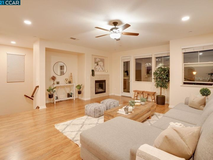 6290 Rocky Point Ct, Oakland, CA, 94605 Townhouse. Photo 5 of 30