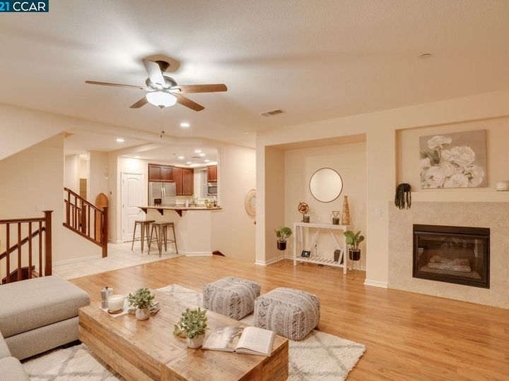 6290 Rocky Point Ct, Oakland, CA, 94605 Townhouse. Photo 6 of 30