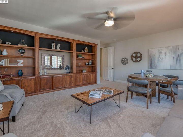 7261 Huntswood Ct Pleasanton CA Home. Photo 13 of 40