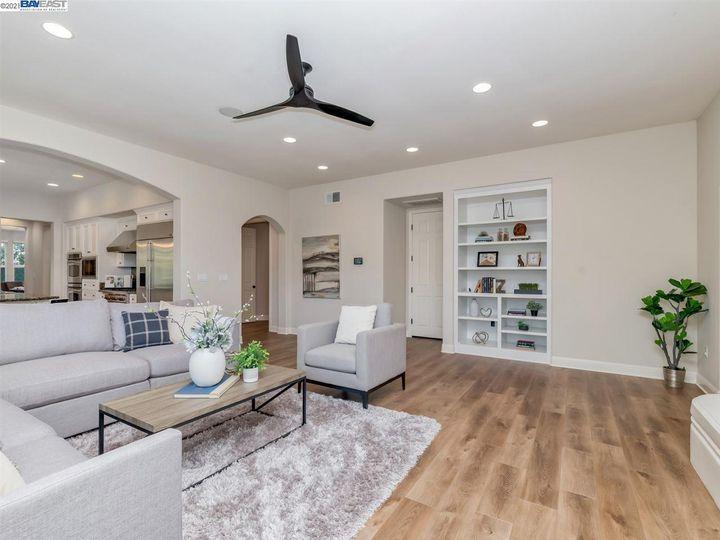 7261 Huntswood Ct Pleasanton CA Home. Photo 15 of 40