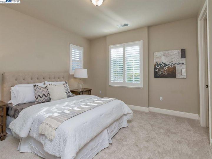 7261 Huntswood Ct Pleasanton CA Home. Photo 22 of 40