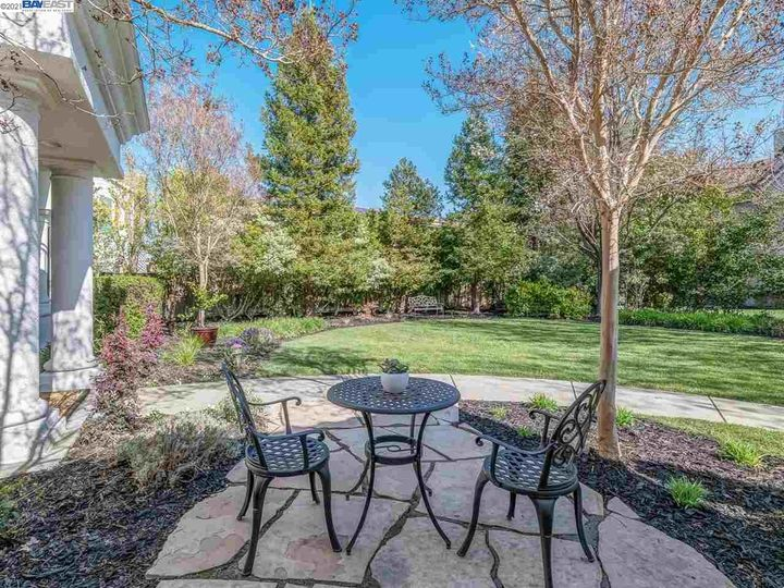 7261 Huntswood Ct Pleasanton CA Home. Photo 4 of 40