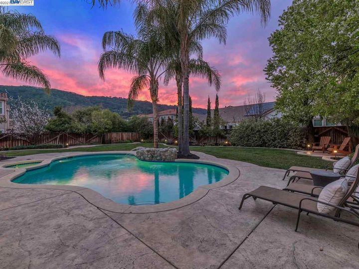 7261 Huntswood Ct Pleasanton CA Home. Photo 32 of 40
