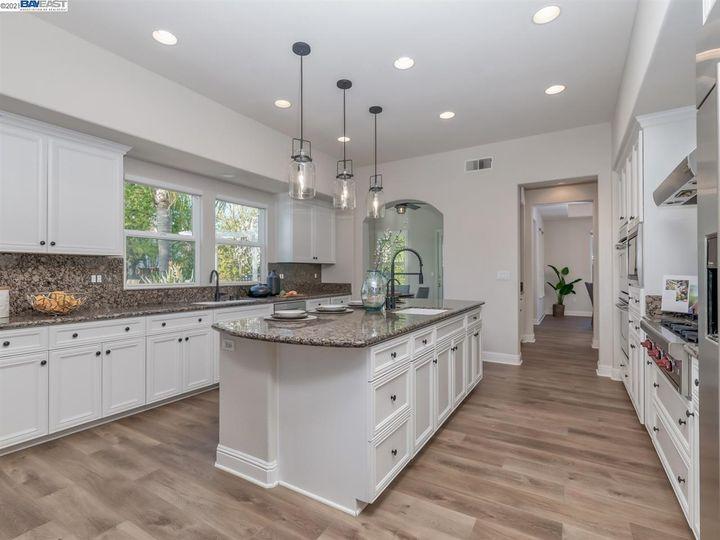 7261 Huntswood Ct Pleasanton CA Home. Photo 9 of 40