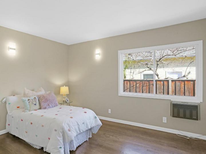 885 Oregon Ave Palo Alto CA Home. Photo 18 of 27