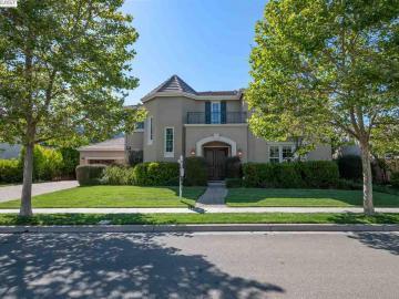 1005 Laguna Creek Ln Pleasanton CA Home. Photo 2 of 40