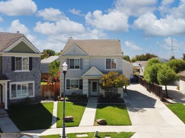 1200 Chaucer Dr, Pulte, CA