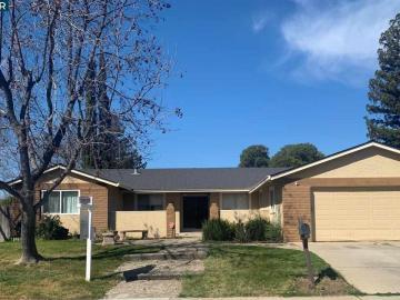 407 Wright Ct, Regency Woods, CA