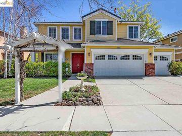 5253 Aspen St, Emerald Park, CA