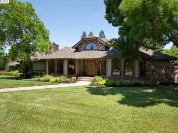 602 Blossom Ct, Carriage Estates, CA