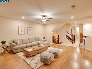 6290 Rocky Point Ct, Oakland, CA, 94605 Townhouse. Photo 4 of 30