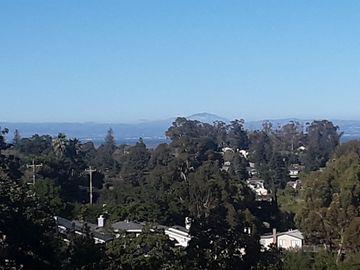 651 Vista Dr, Emerald Lake Hills, CA