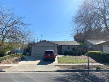 7586 Shadowhill Ln, Cupertino, CA