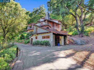 786 View Dr, Castlewood, CA
