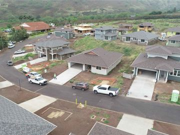 84-52 Maiola Pl Waianae HI Home. Photo 2 of 9